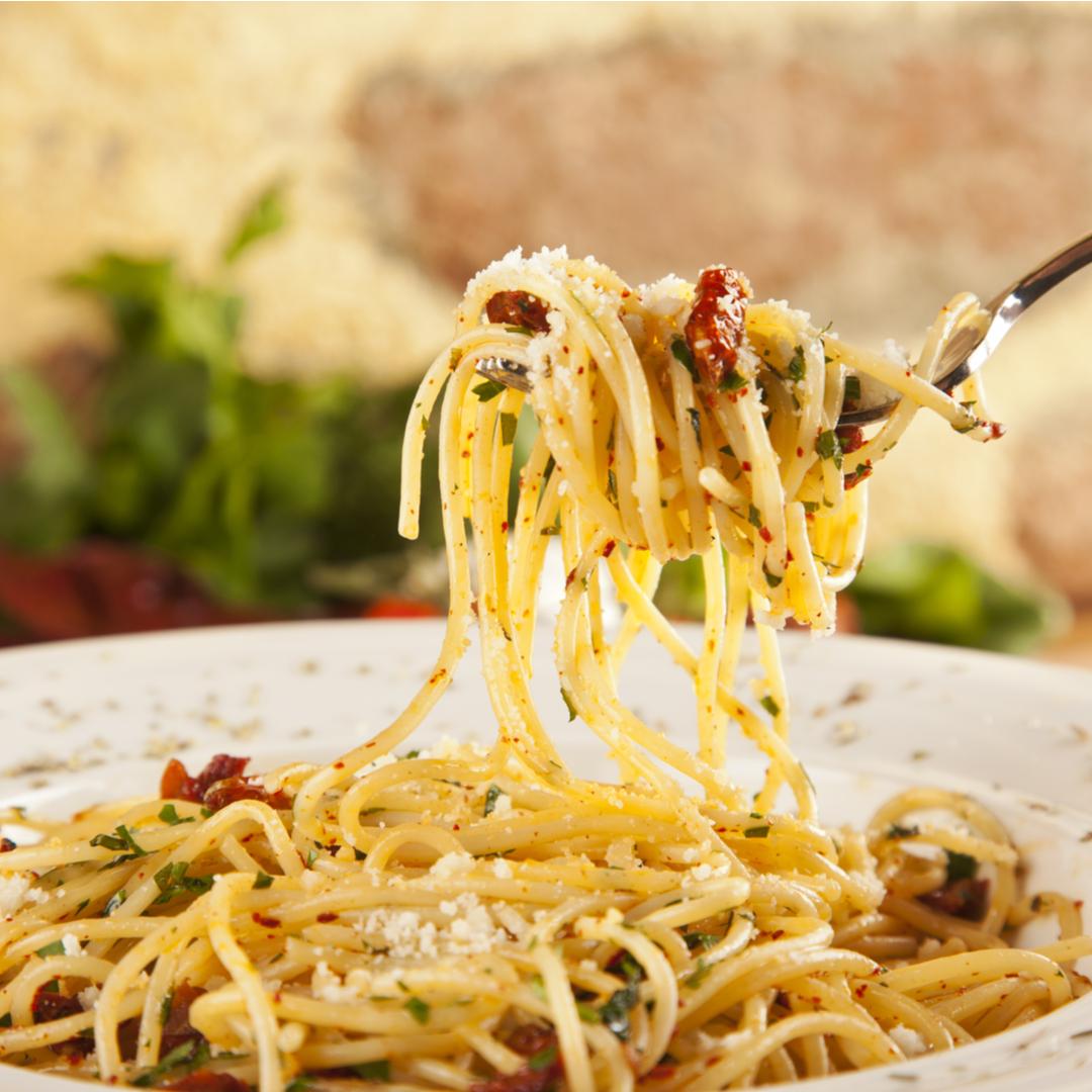 Aglio Olio e Peperoncino - via Shutterstock